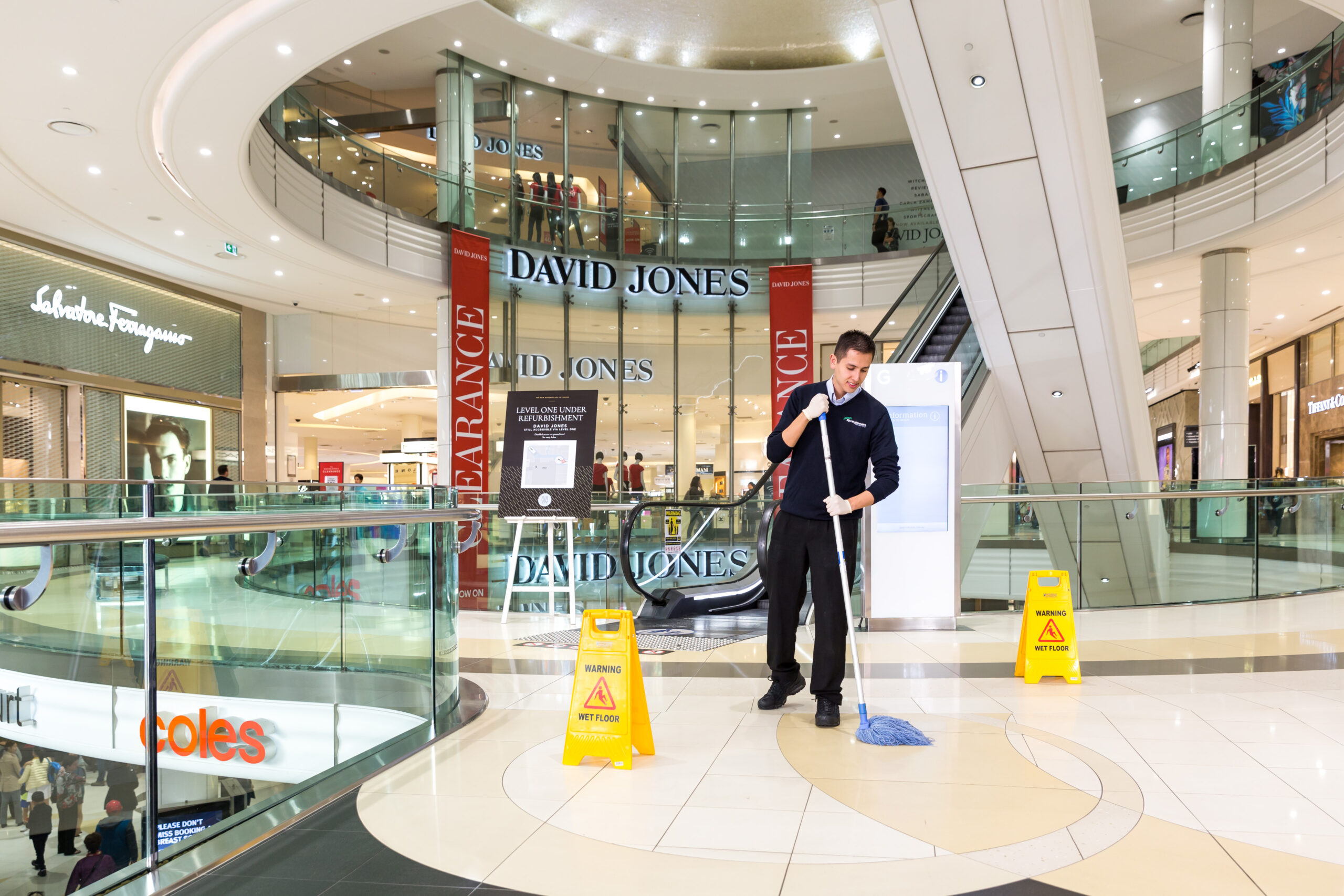 shopping mall cleaning service